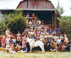 By Ed Dessen Farm Lake Day Camp students at the Amish-built barn at Farm Lake in 1977.